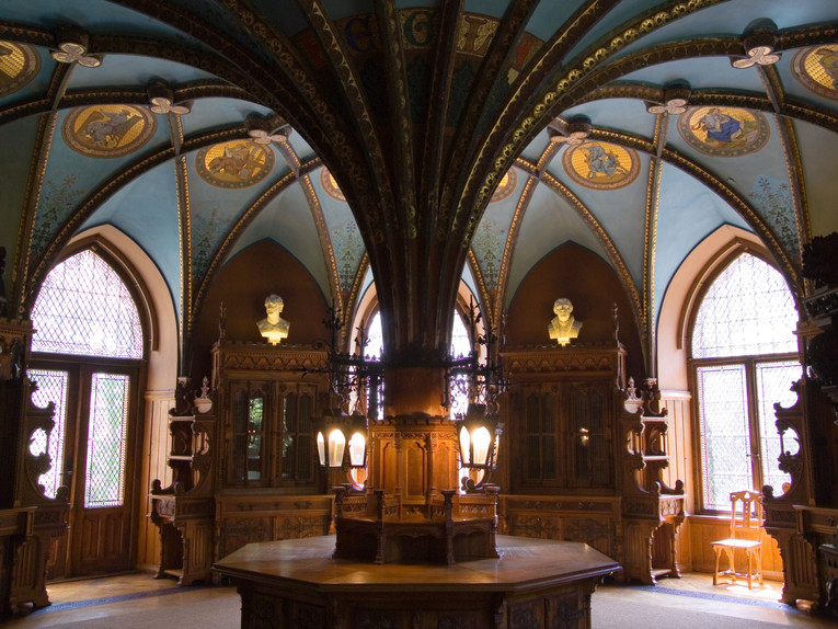 Castello di marienburg castlesintheworld for Piani scozzesi della casa del castello dell altopiano
