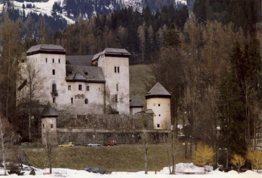 Castello di Goldegg